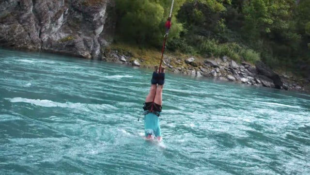 cuerpo_agua_bungy_jumping