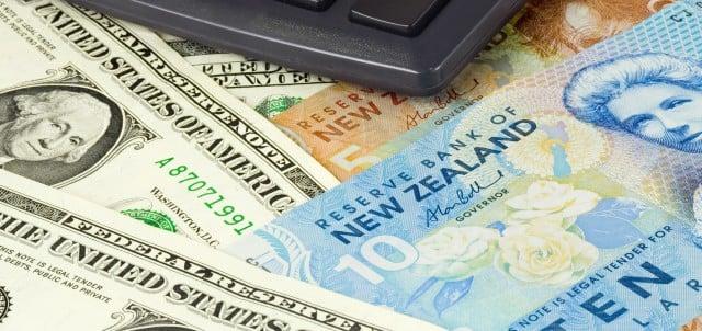 nueva zelanda working holiday visa demostrar dinero para ingresar al pais NZD 4200