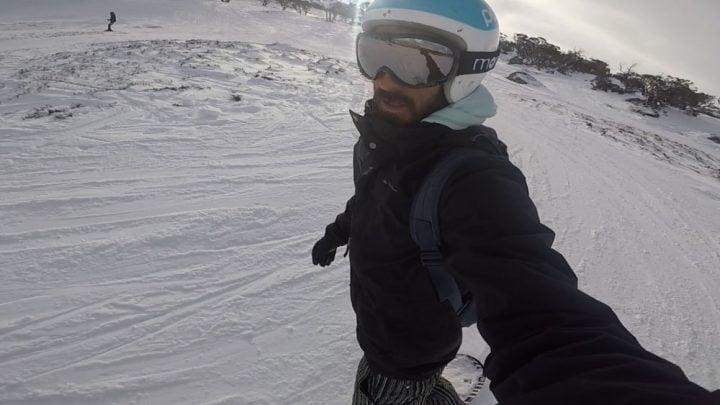haciendo snowboard en un centro de ski en Australia mientras trabajo