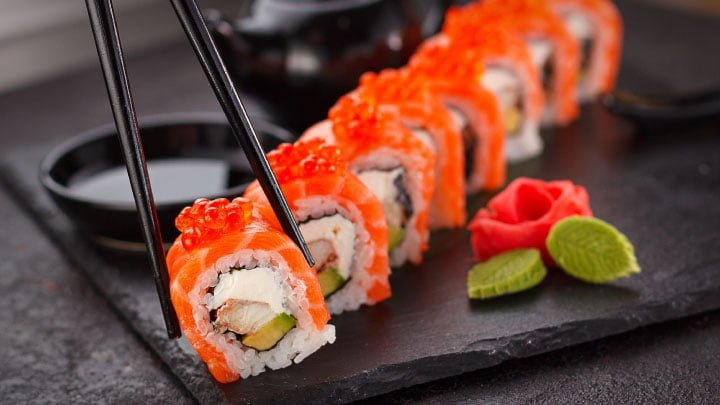 costo de vida en japón sushi