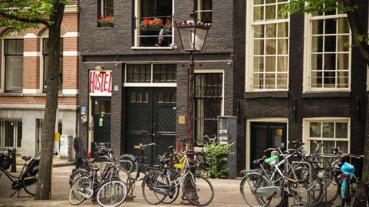 hostels budget amsterdam