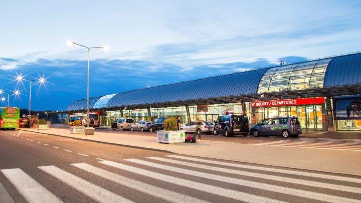 aeropuerto varsovia modlin